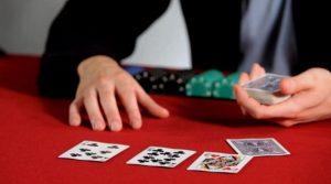 Keuntungan Menarik Bermain Judi Poker Online
